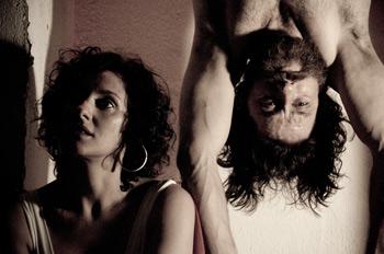 María Morales y Alberto Berzal en una escena de la obra Los últimos días de Judas Iscariote