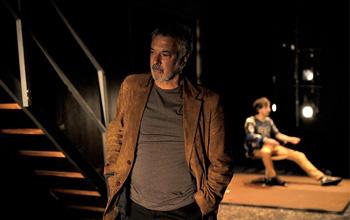 Adolfo Fernández y Raúl Prieto en una escena de la obra Naturaleza muerta en una cuneta